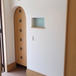 玄関横の大型クローゼットはアウトドア用品の収納に最適