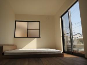 日当たりの良い寝室